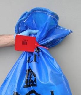 [cml_media_alt id='3602']titanseal RFID su sacco 1[/cml_media_alt]